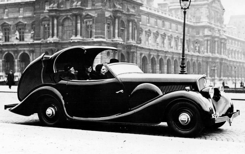 Viejo coche peugeot