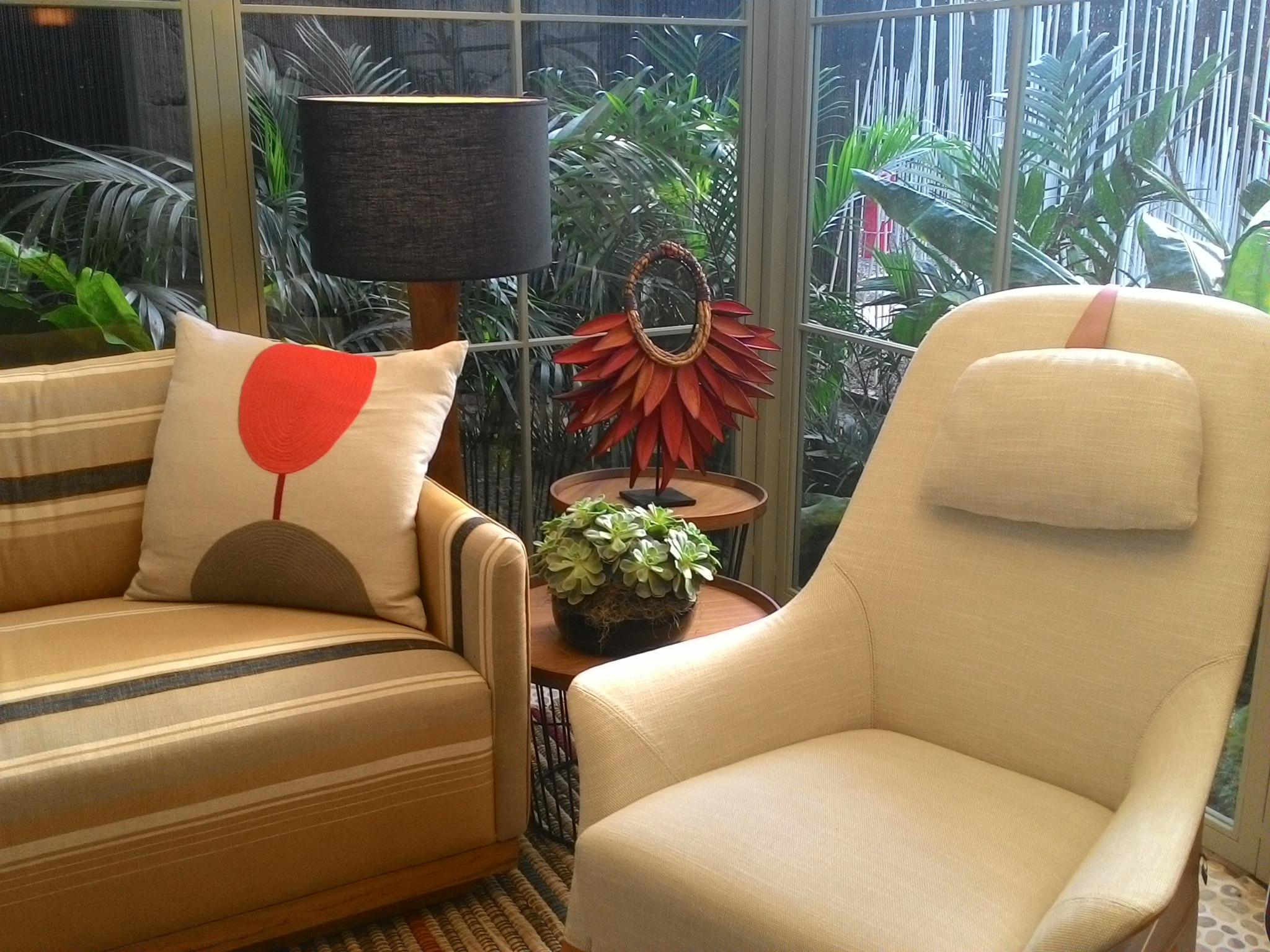 Casa Cor SP 2015 - sillón destacado en el balcón